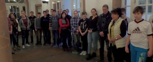 Pyramide an das Bertolt-Brecht-Gymnasium feierlich übergeben