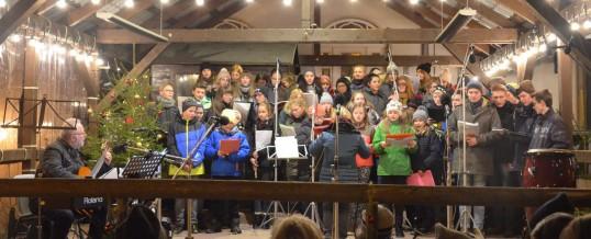 Unser Chor auf dem Schwarzenberger Weihnachtsmarkt