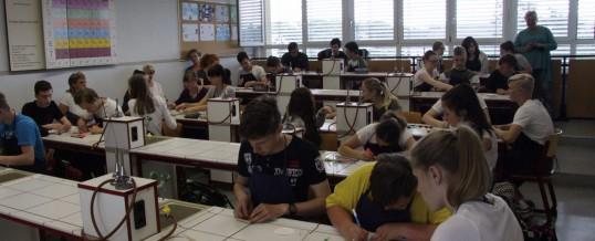 Zwei gemeinsame Chemiestunden
