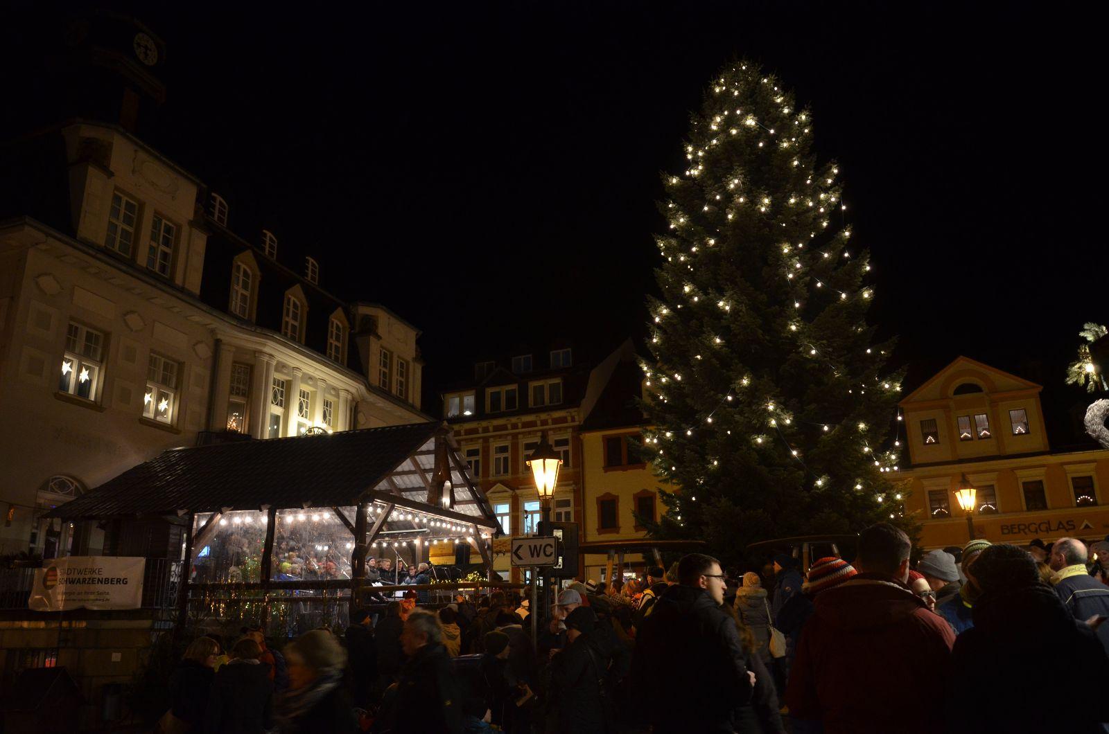 Weihnachtsmarkt Schwarzenberg.Unser Chor Auf Dem Schwarzenberger Weihnachtsmarkt Bertolt Brecht